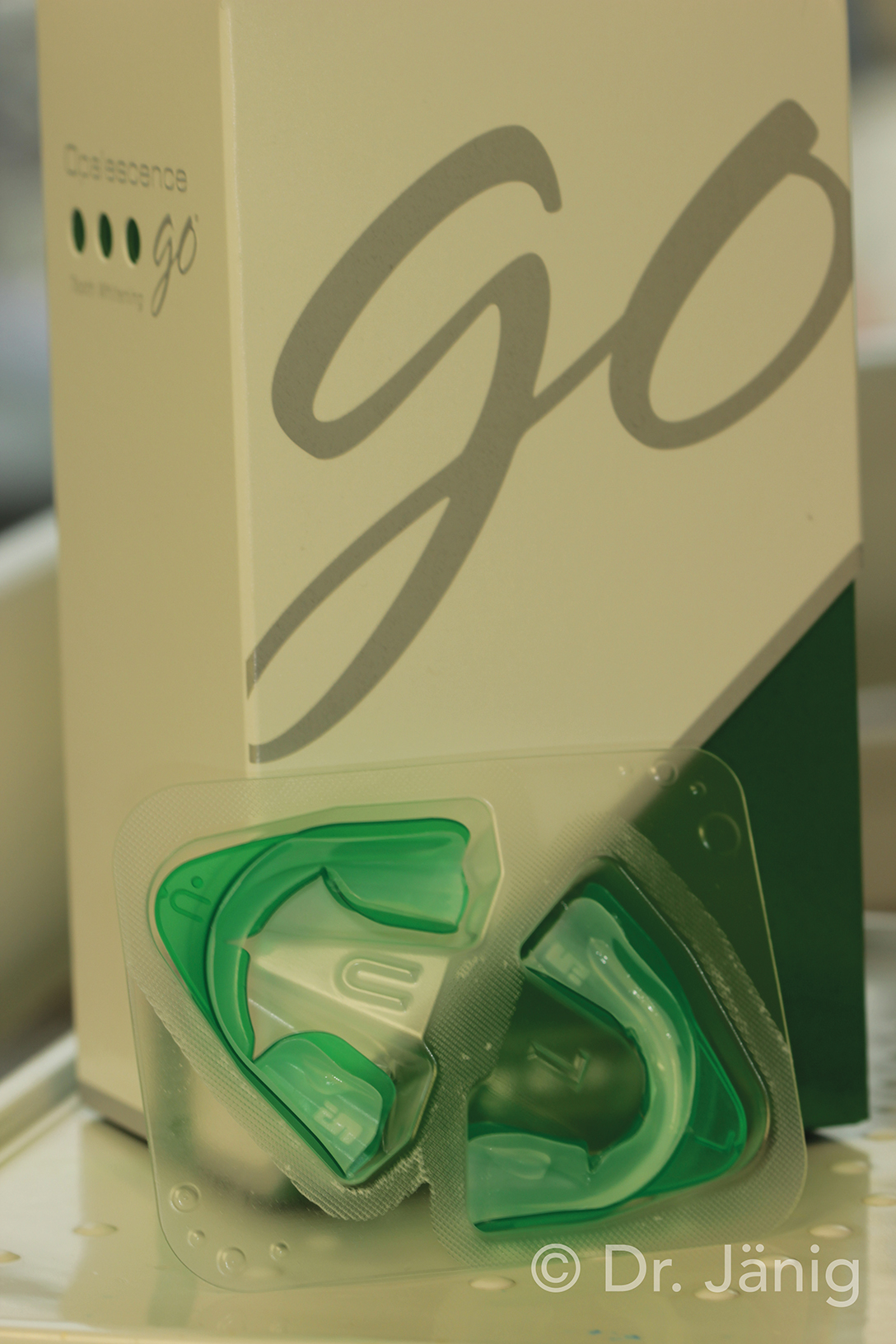 Fig.1_Opalescence Go packaging_©Dr. Jänig